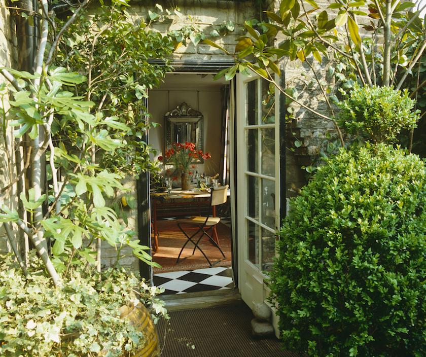 garden-pavilion via lonny mag